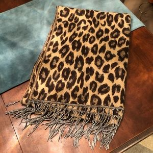 Accessories - Animal Print Wrap